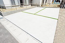 【1号地外観】 並列駐車2台可能◎ お庭付き(*^_^*)