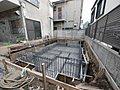 都営三田線「千石」駅徒歩9分!ルーフバルコニーを備えた2DK+Sに車庫スペースを完備