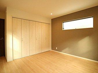 各居室にクローゼットをご用意しております。