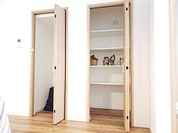 【リビング】家具を配置するとこのようなイメージ!17帖の広さはご家族とコミュニケーションがとりやすく、またお手入れもしやすいです♪※施工例
