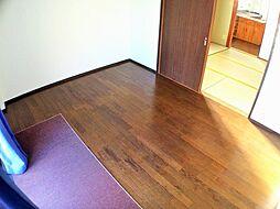 ヴェルエール岩田の洋室