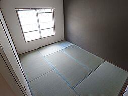 ユメノサニーハイツの和室もお洒落なデザインクロスです