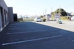セザンヌ保美2の駐車場