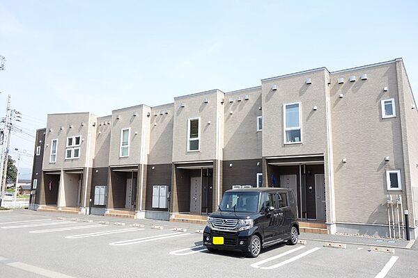 新潟県新発田市古寺の賃貸アパートの外観