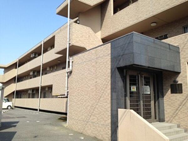 新潟県新発田市舟入町1丁目の賃貸マンションの外観