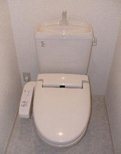フォルトーナの温水洗浄便座付トイレ