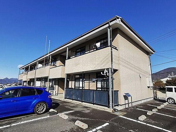 長野県上田市古里の賃貸アパートの外観