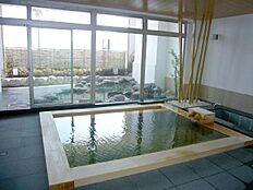 現在お部屋の写真が撮影出来ていない為、共有部のご紹介です。まずは温泉大浴場です。