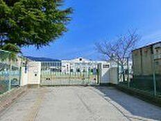 飛鳥小学校