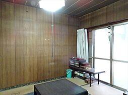 北東6帖の和室は大きな窓から明るい光が入ります