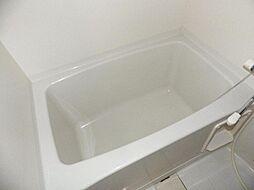 シンプルな浴槽