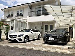 車種によりますが、お車の駐車スペースは3台可能。