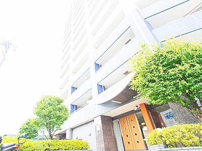 日野駅をおりてすぐに分かるひと際大きなマンションです。招待する時に説明が簡単ですね。,3LDK,面積78.45m2,価格4,480万円,JR中央線 日野駅 徒歩2分,,東京都日野市新町1丁目