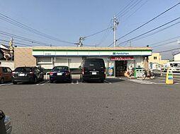 コンビニエンスストアファミリーマート高浜本郷町店まで376m
