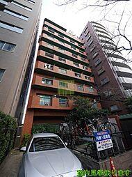 東京都新宿区舟町の賃貸マンションの外観