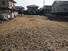 敷地面積は広々約72坪ございます。