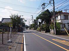 開放的な約16mの前面道路