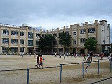 小学校西脇小学校まで1167m