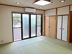 阪急千里線 北千里駅 バス20分 豊川市所前下車 徒歩6分 5SLDKの居間