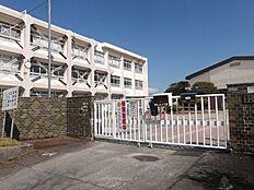 登美ヶ丘小学校