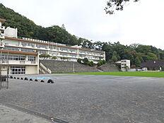 第一小学校 徒歩6分(約450m)