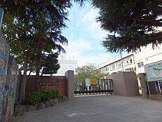 小学校武蔵村山市立第一小学校まで275m