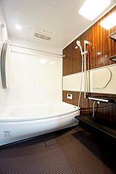 ユニットバス交換済。浴室暖房乾燥機付きです