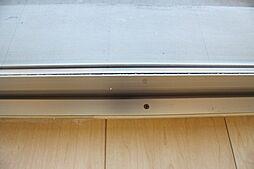 南東側窓サッシは全てペアガラスを使用。