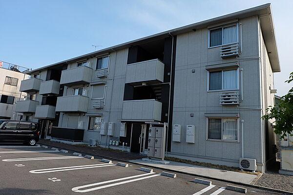 滋賀県守山市二町町の賃貸アパート