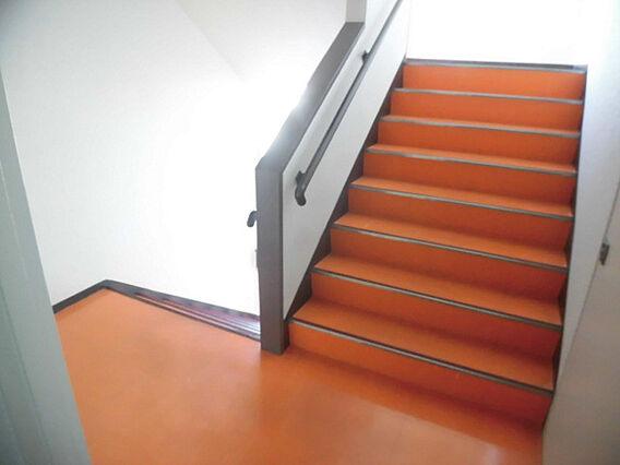 階段 お部屋の...