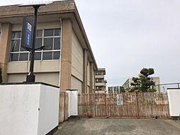 高御堂小学校…600m(徒歩約8分)
