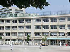 区立東山中学校の学区です。
