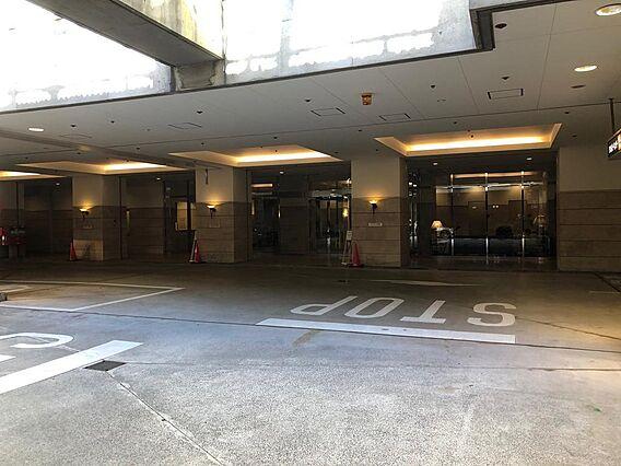 B1階タクシー...