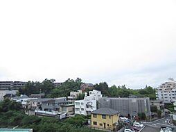 リビングダイニングから見渡せる南側眺望(茶屋ヶ坂公園方面)