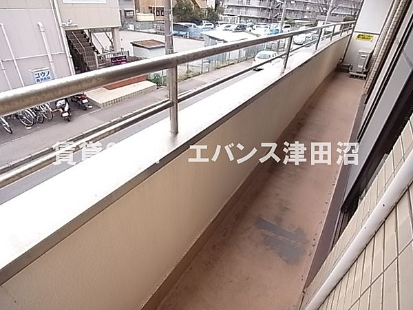 千葉県船橋市前原西6丁目の賃貸マンションの外からの目が気にならないバルコニーで洗濯物が干せます