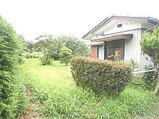 敷地は広々約640坪ございますので、お庭付きのゆとりあるお住まいが建築できますね