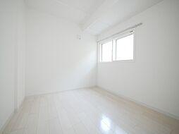 ブランシャール東屯田通の白を基調とした清潔感のある内装