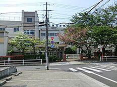 市立第六小学校 884m
