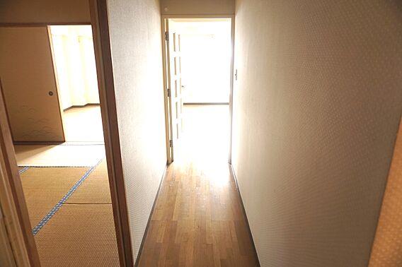 明るい廊下です...