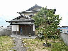 現地写真です。風情のある日本家屋の住まいです。