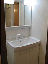 リフォーム済で清潔感のある洗面化粧台