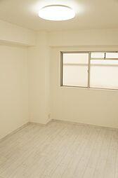 リビング以外の居室その他内観トイレ浴室北側洋室 角部屋の為2面採光で明るく風通しの良いお部屋です。クローゼット付き