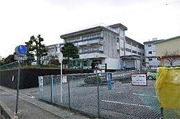 日立市立塙山小学校(948m)