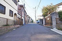 前面道路(西方向)