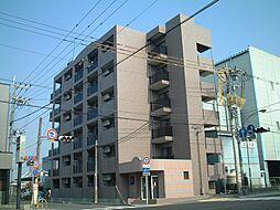 京都府京都市南区上鳥羽南島田町の賃貸マンションの外観