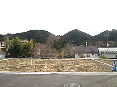 敷地面積は約54坪ございます。