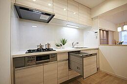 食洗機付きシステムキッチンで奥様の家事の負担を減らします