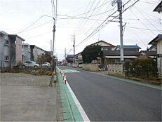 周辺は住宅街です。