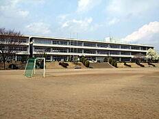 守谷市立黒内小学校(1105m)