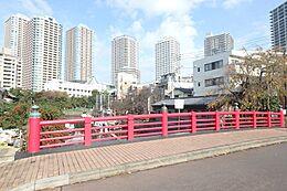 近くの佃小橋です。